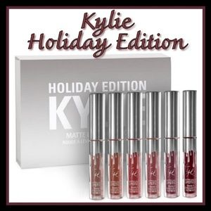 New Kylie Mini Holiday Edition lipstick 6pk